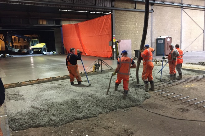 Storten van het beton