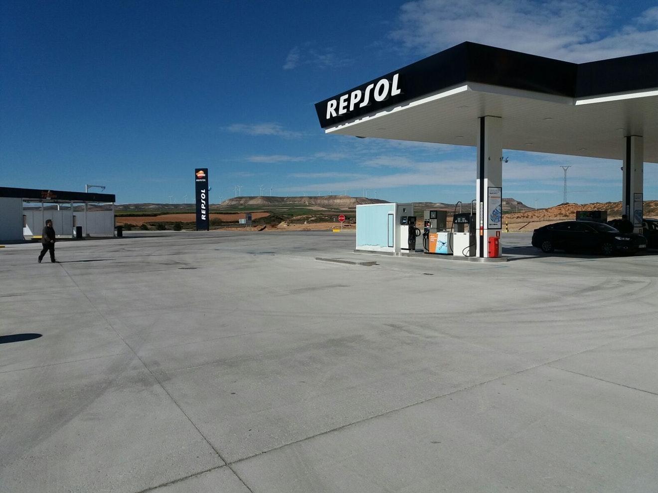 Voertuigen besparen tot 6% brandstof op vlakke en vormvaste wegverhardingen.