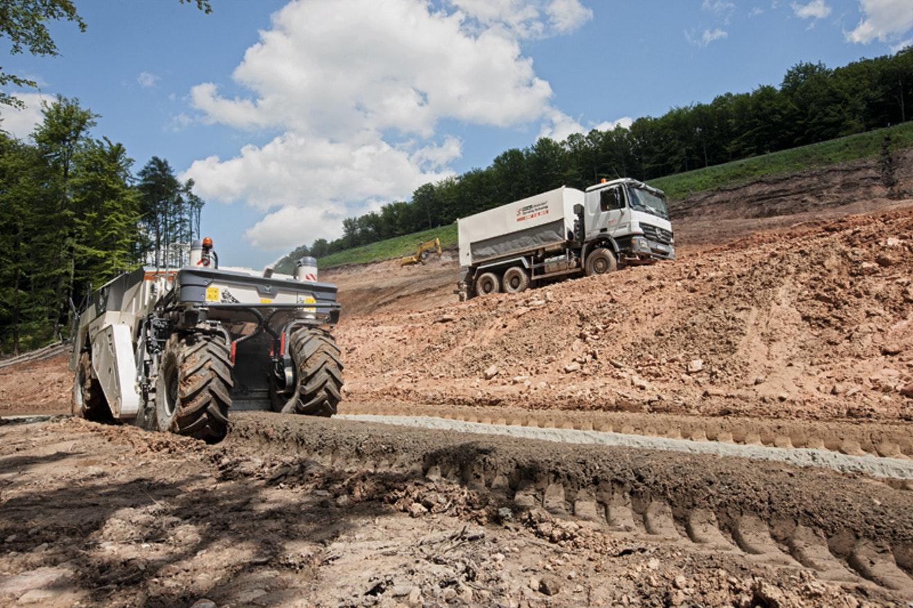 Beton bevat geen (bodem)verontreinigende stoffen en is volledig onschadelijk voor de bodem.