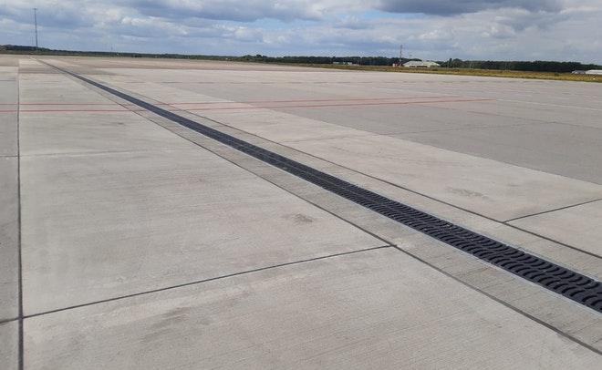 02 Eindhoven Airport