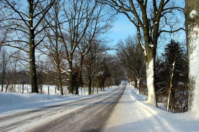 Betonweg in de winter 660x440